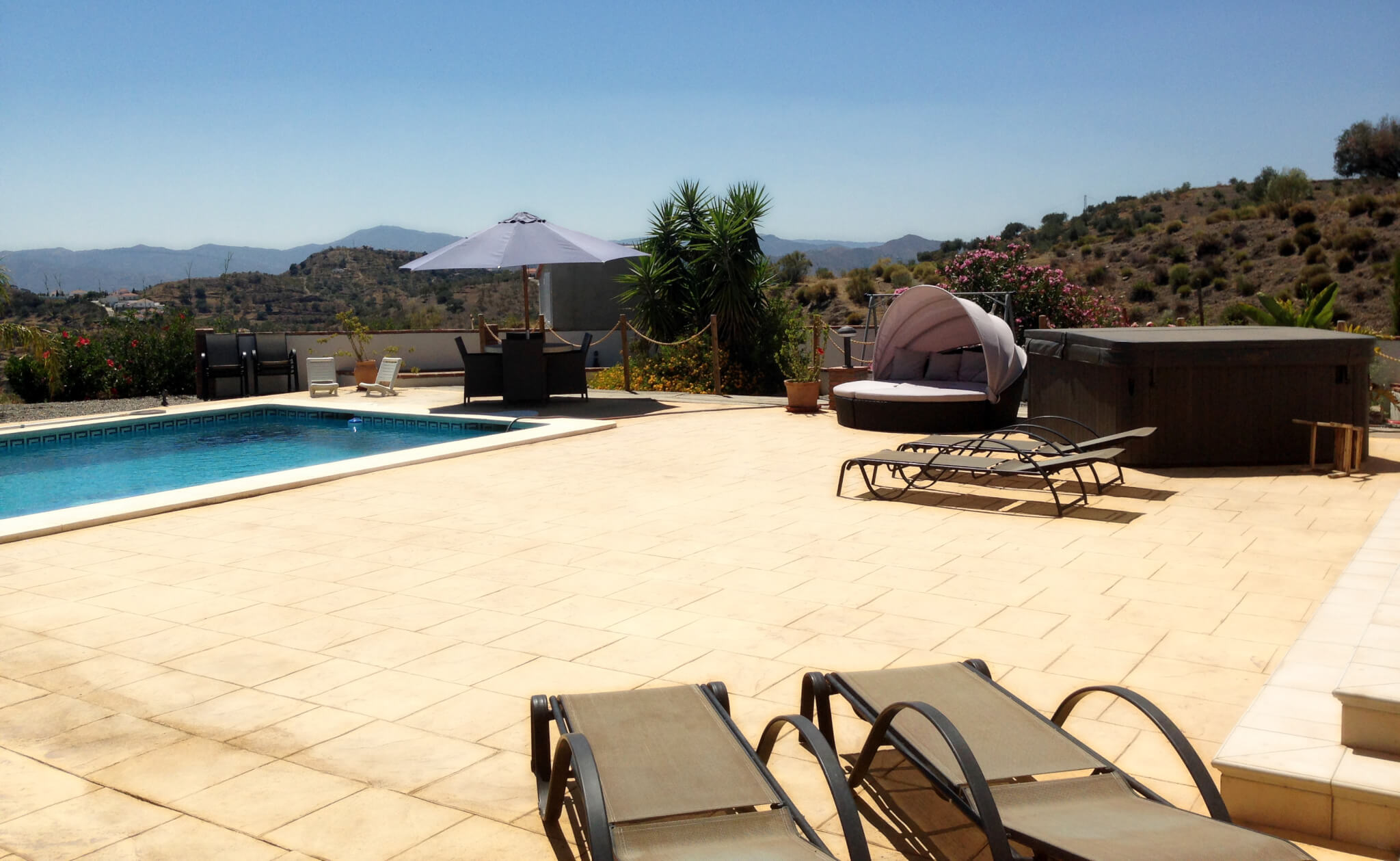 Location villa avec piscine espagne marylourandonn es vtt for Piscine espagne