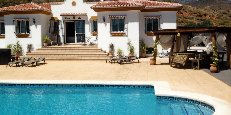 Location villa avec piscine espagne maryloulocation villa for Location de maison